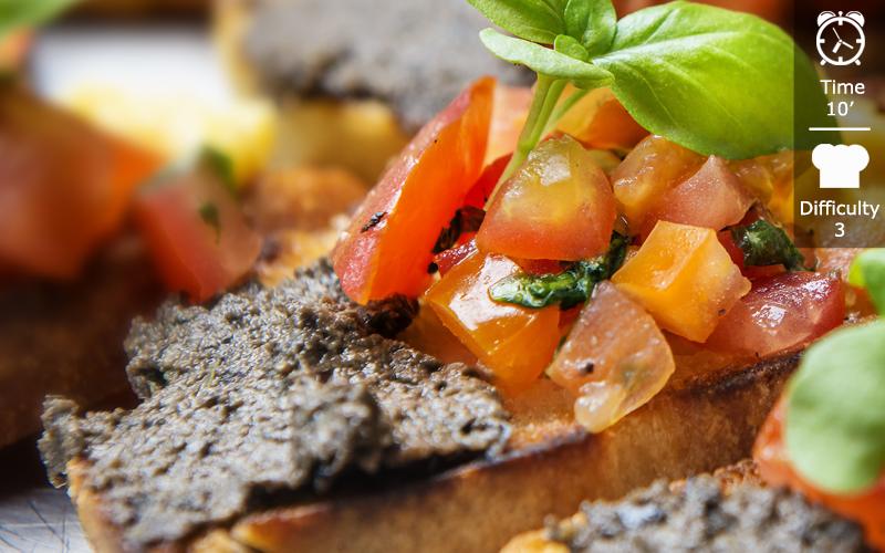 Bruschetta with olive paste en